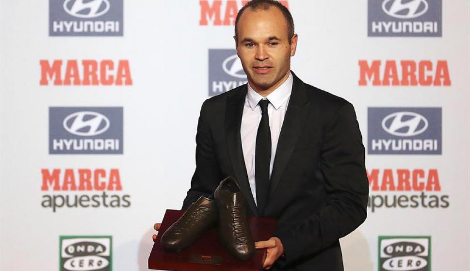 Los galardonados en los Premios Marca. Fotos: EFE