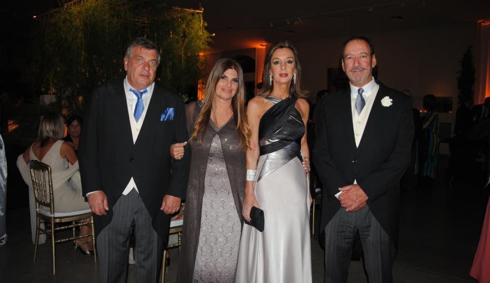 Los padrinos Pablo Carrere Chiarino, Laura Madías, Ana Elena Mañé Lezica, Giaco Perrota.