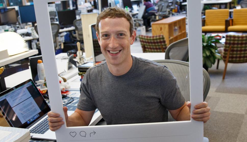 ¿Por qué deberías tapar tu webcam? según el FBI y el dueño de Facebook