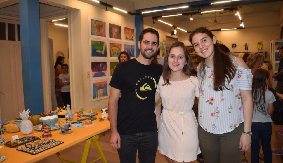 Bruno Aydo, Tatiana Munsch, Sofía Salgueiro.