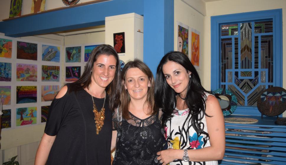 Verónica Varela, Natalia Amarelle, Lourdes González.