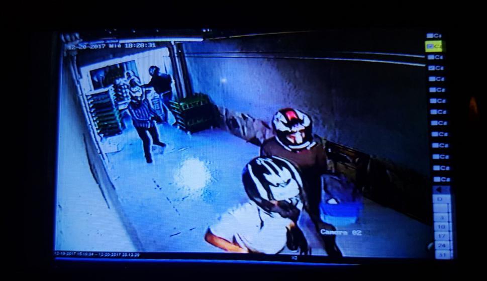 La Policía investiga para dar con los asaltantes. Foto: El País