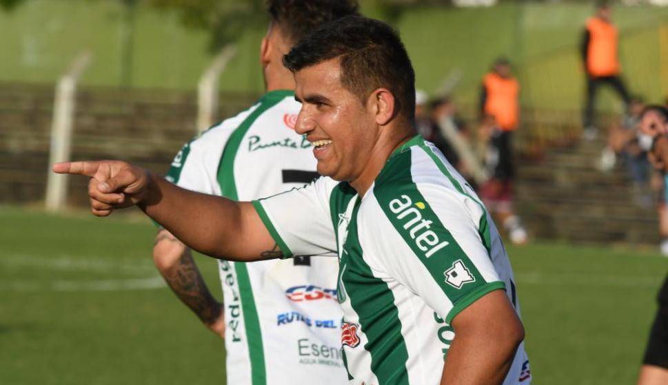 Líber Quiñones en Racing. Foto: Ariel Colmegna / El País.