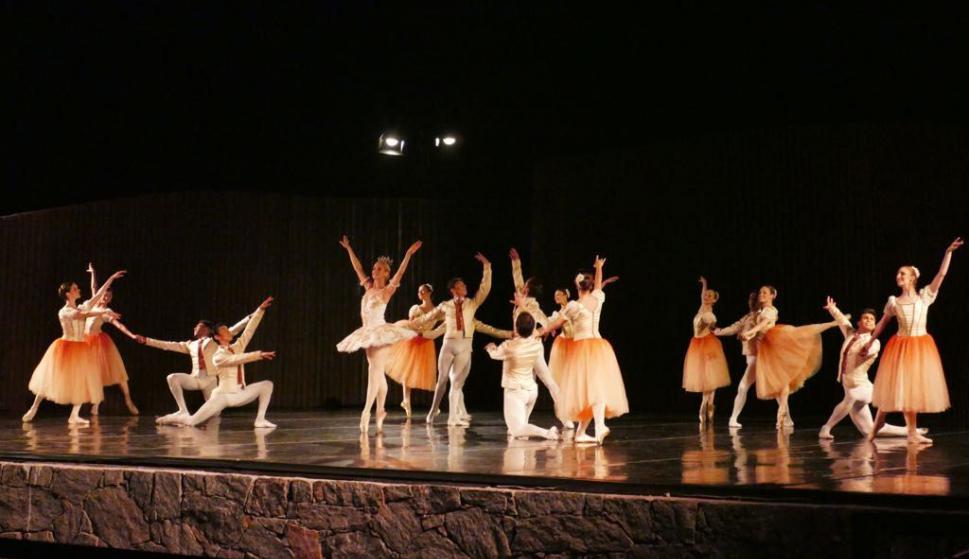 El Ballet Nacional del Sodre despide a Julio Bocca en Punta del Este. Foto: Ricardo Figueredo
