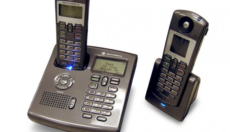 El teléfono de su casa consume 0.98 vatios. Si incluye una contestadora, entonces el número se eleva a 2,9 vatios por hora. Foto: Archivo El País