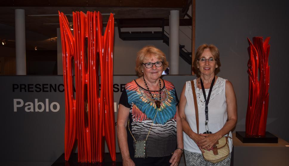 Analil Fernández, María Lourdes Darriulatt.