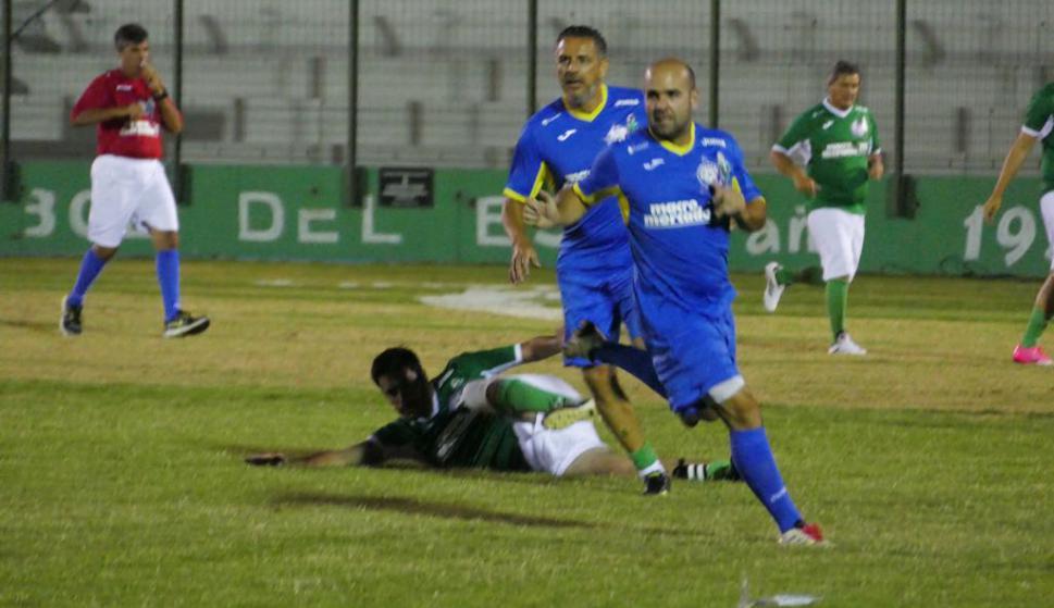 Iñaki Abadie en el campo de juego. Foto: Ricardo Figueredo