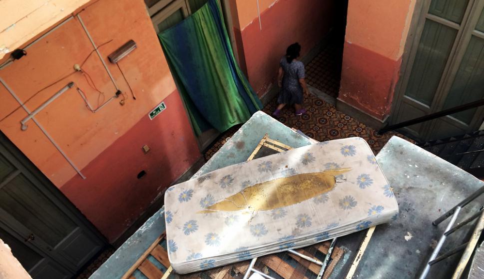 """""""Difícil es en Cuba, Acá le vamos a encontrar la vuelta"""", dice un cubano que llegó la semana pasada. Foto: Fernando Ponzetto"""