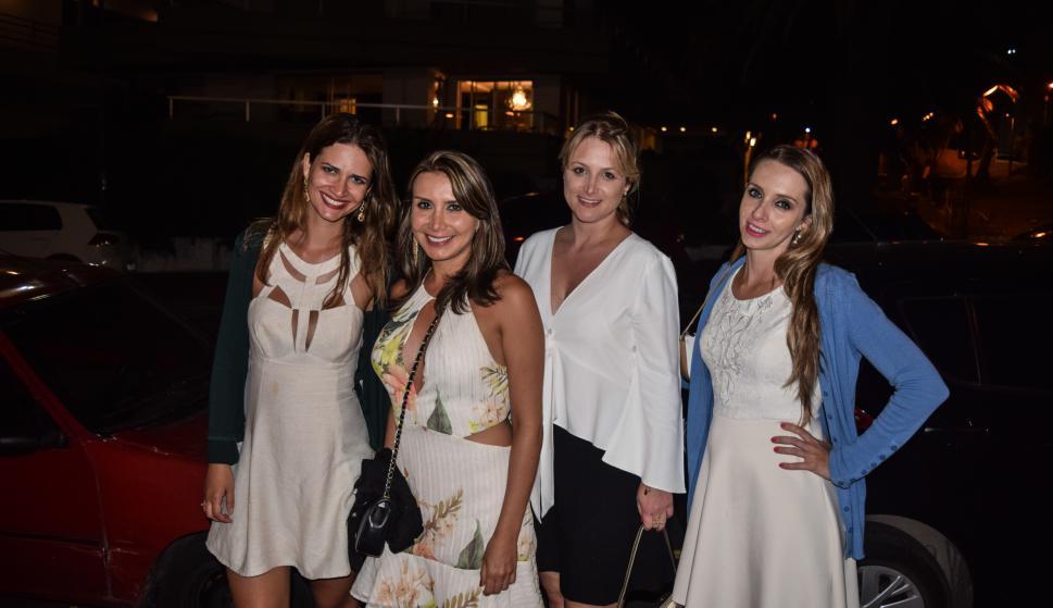 Kelly Franz, Carolina Concencao, Fernanda Montini, Jamile Schmidt.