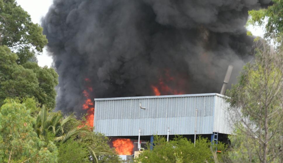 Incendio en fábrica de lanolina. Foto: Ariel Colmegna.