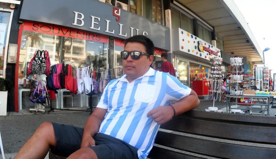 Primera vez: Santiago, de Reconquista, ahorró para conocer Punta. Foto: Darwin Borrelli