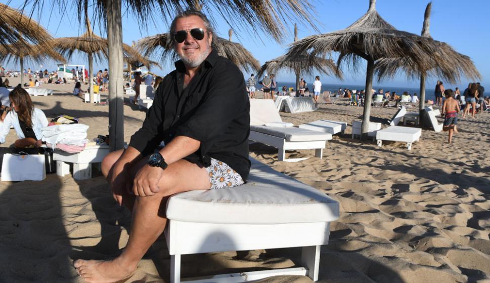 """Alberto Gozzi, abogado de San Isidro: """"Es una cuestión de idiosincrasias. En la costa argentina no les interesa cuidar al turista. Por eso elijo Punta"""". Foto: D. Borrelli"""