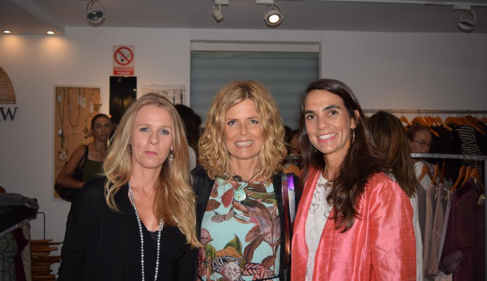 Magdalena Pereira, Julia Elena Ferrés, Virginia Brause.