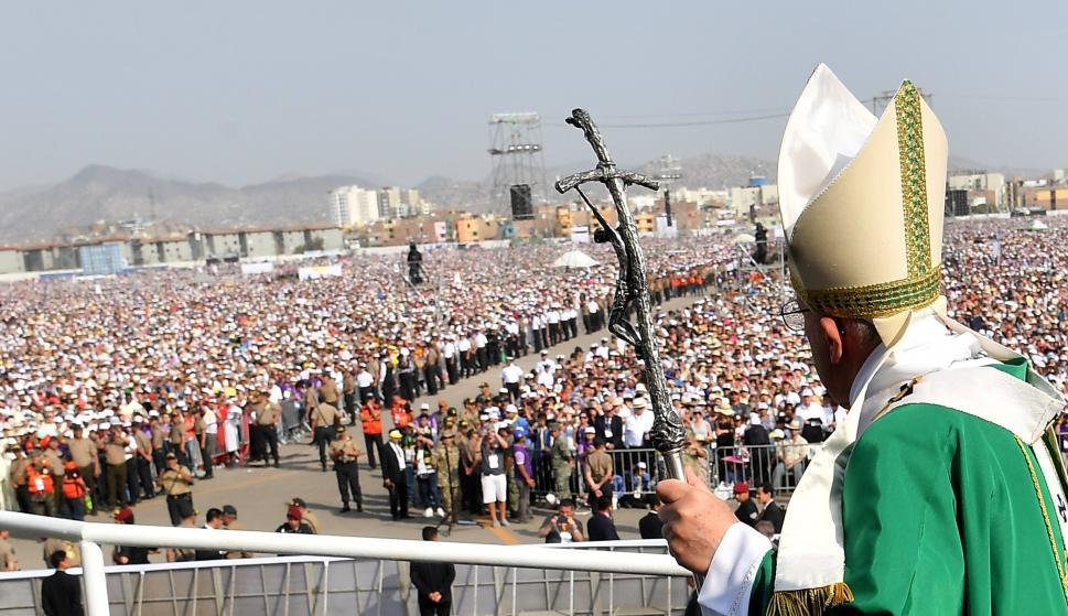 El Papa cerró su visita a Perú con una multitudinaria misa. Foto: EFE