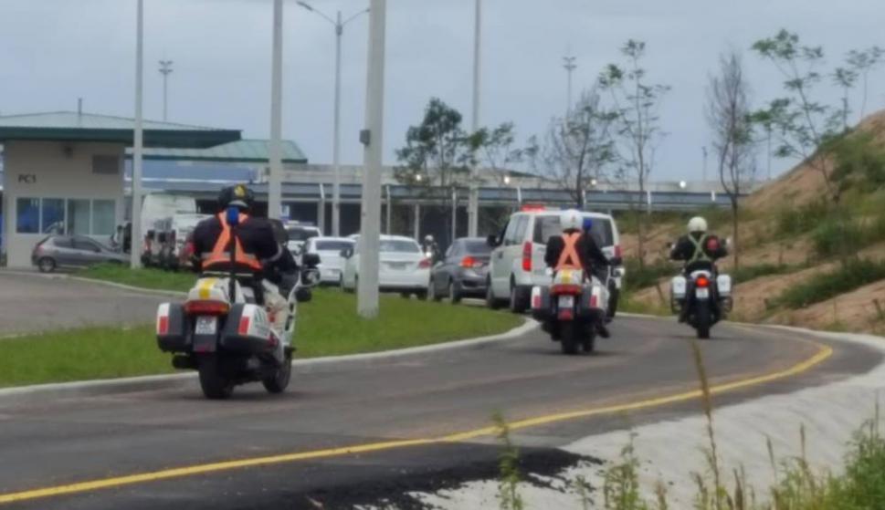 Traslado de presos desde el Comcar hasta la cárcel de Punta de Rieles. Foto: El País