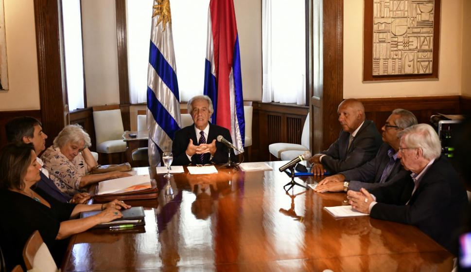 Tabaré Vázquez tras reunión con gremiales. Foto: Fernando Ponzetto