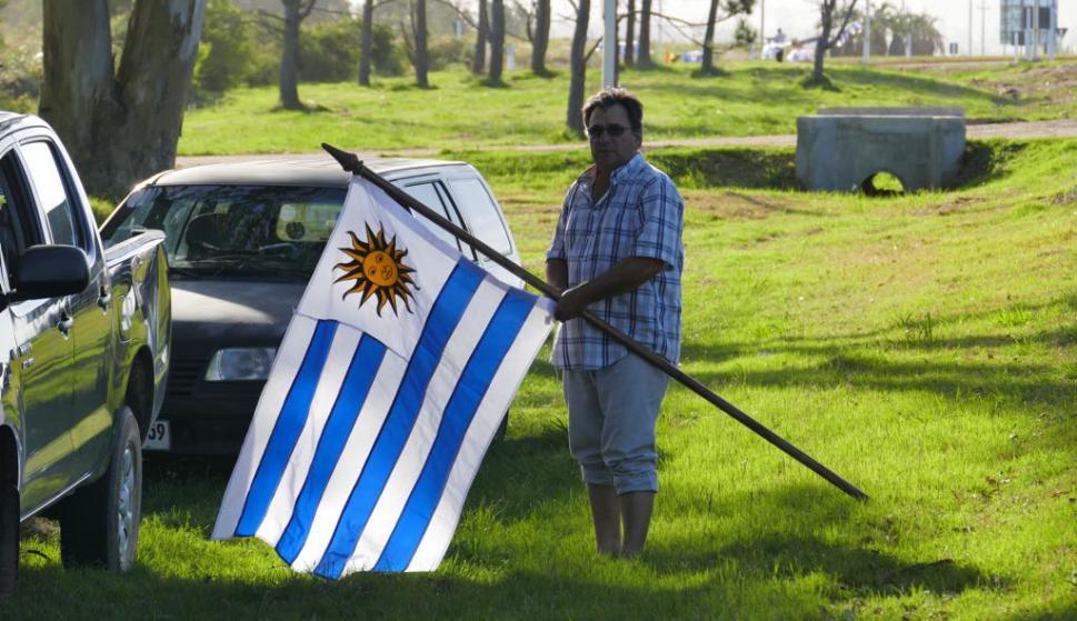 Vigilia en reclamo por respuestas. Foto: Ricardo Figueredo