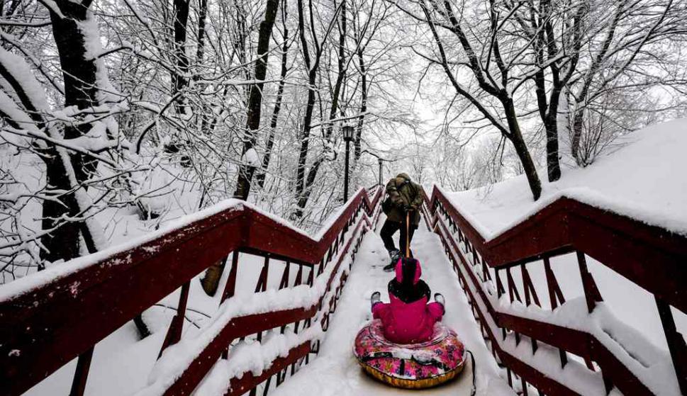 Moscú registró la peor nevada de su historia. Foto: AFP