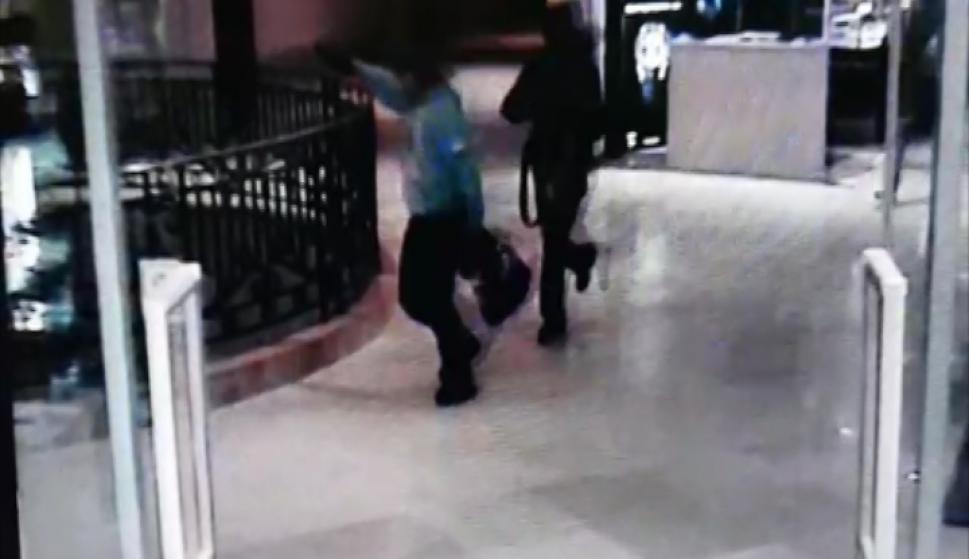 Video del asalto a joyería del  Hotel Enoy Conrad. Foto: captura de video