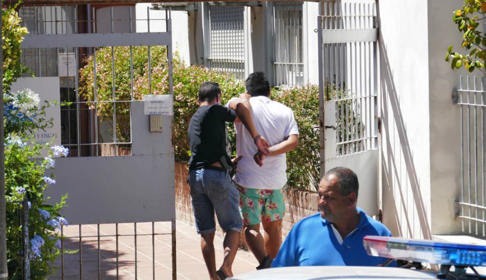 Detenidos por el asalto al Enjoy Conrad declaran en la Fiscalía de Maldonado. Foto: Ricardo Figueredo.