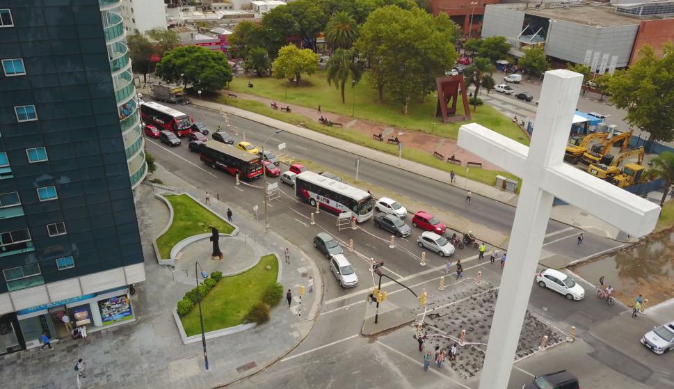 Vehículos deberán desviar por obras en avenida Italia. Foto: Gabriel Rodríguez