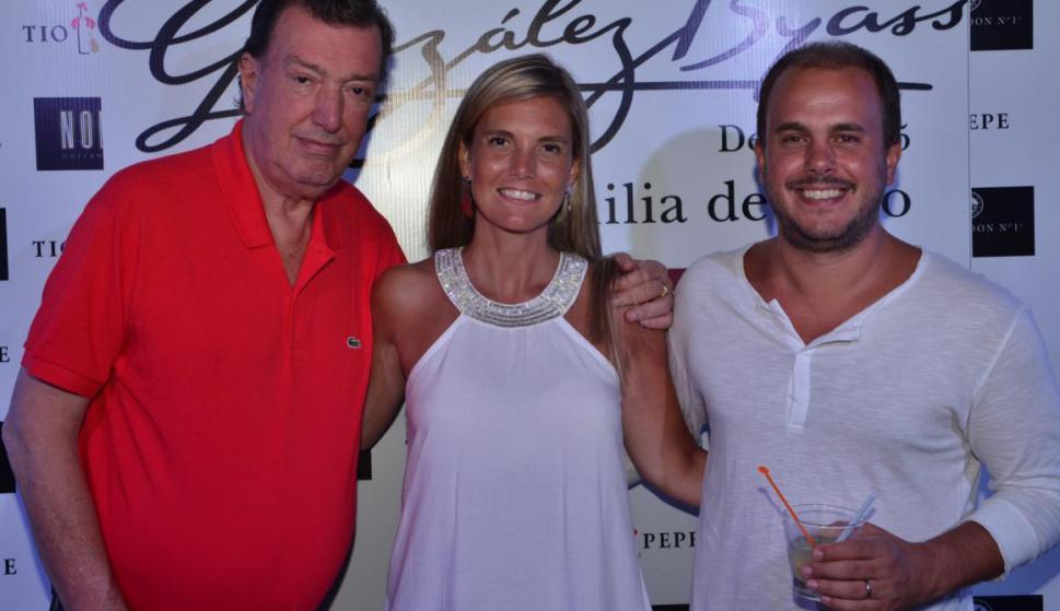 Paco, Serrana y Pablo Calvete.