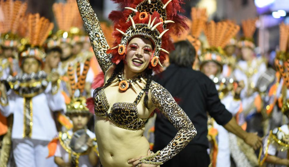 Desfile Inaugural del Carnaval de Melo. Foto: Néstor Araújo