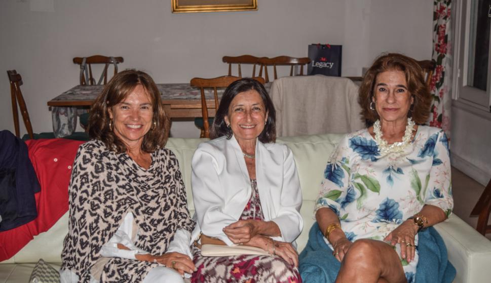 Virginia Paiva, Lucía Muxi, Laura Verissimo.