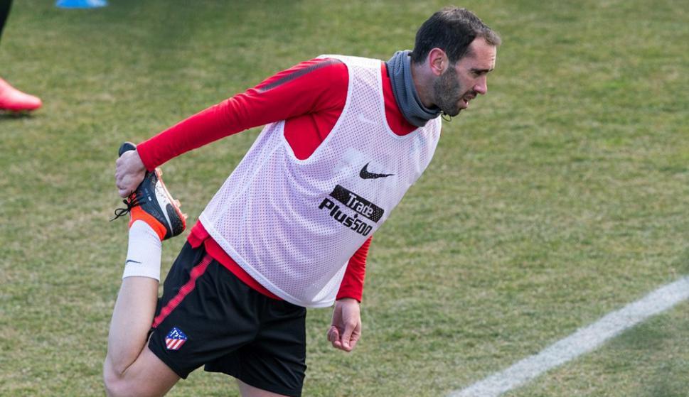 Diego Godín en el entrenamiento del Atlético de Madrid. Foto: EFE