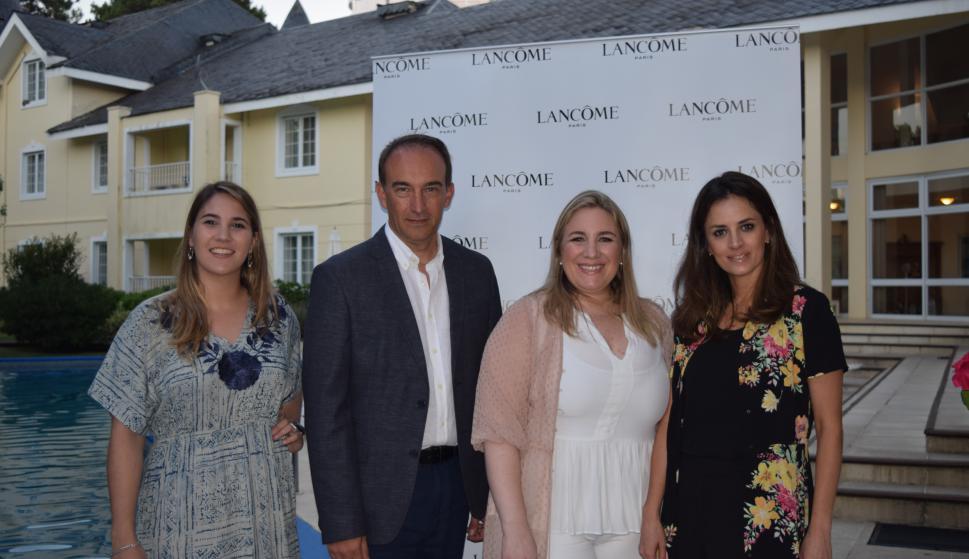 Constanza Davyt, Federico Pigni, Magdalena Mántaras, Mariana Almirón.
