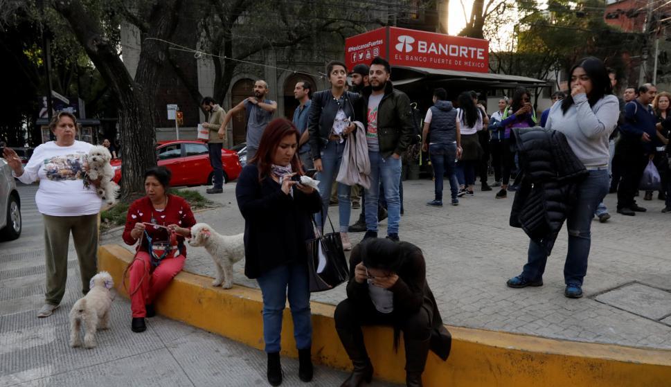 Cientos de personas fueron evacuadas tras el sismo de 7.0. Foto: Reuters
