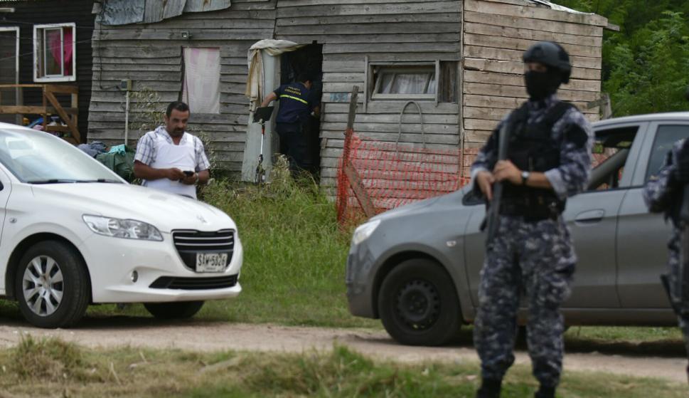 Operativo tras capturar a Cristian Pastorino, alias Kiki. Foto: Fernando Ponzetto
