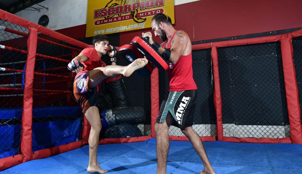 Leonardo Estévez y Agustín Zas, dos luchadores entrenando. Foto: Fernando Ponzetto