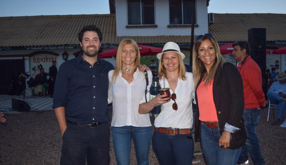 Federico Liébana, Mariana Laufer, Delia García, Nazaret Noble.
