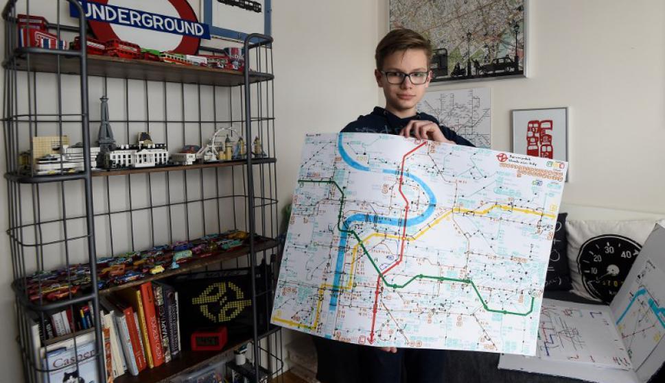 Matej Hosek, el niño con Asperger que resignificó su amor por los mapas. Foto: AFP