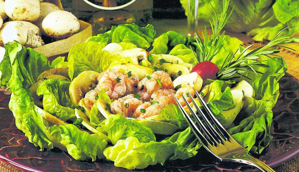 Las ensaladas se convierten en la estrella del menú en esta época.