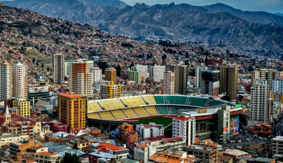 El Estadio Hernando Siles de La Paz. Foto: archivo El País.
