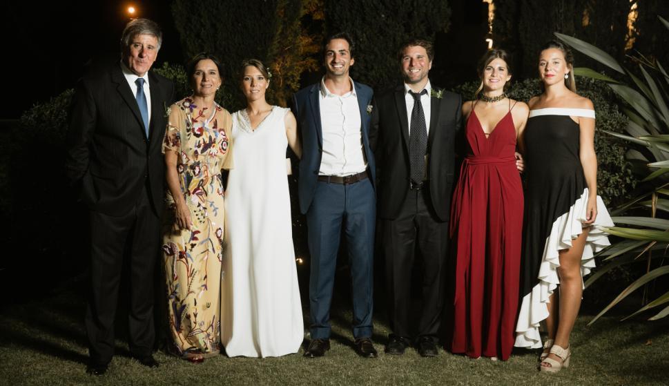 Felipe Paradela, María Ponce de León de Paradela, Martina Paradela, Mariano Sendic, Felipe Paradela, Sofía Gonzalez de León, Victoria Paradela.