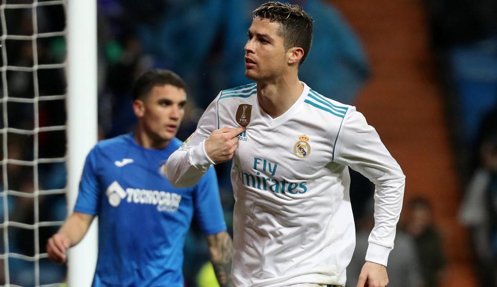 Dani Alves le pegó un moco a Cristiano Ronaldo