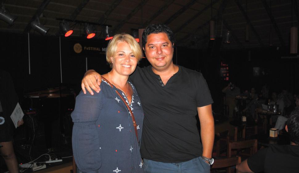 Lourdes Davila, Mario Burgos.