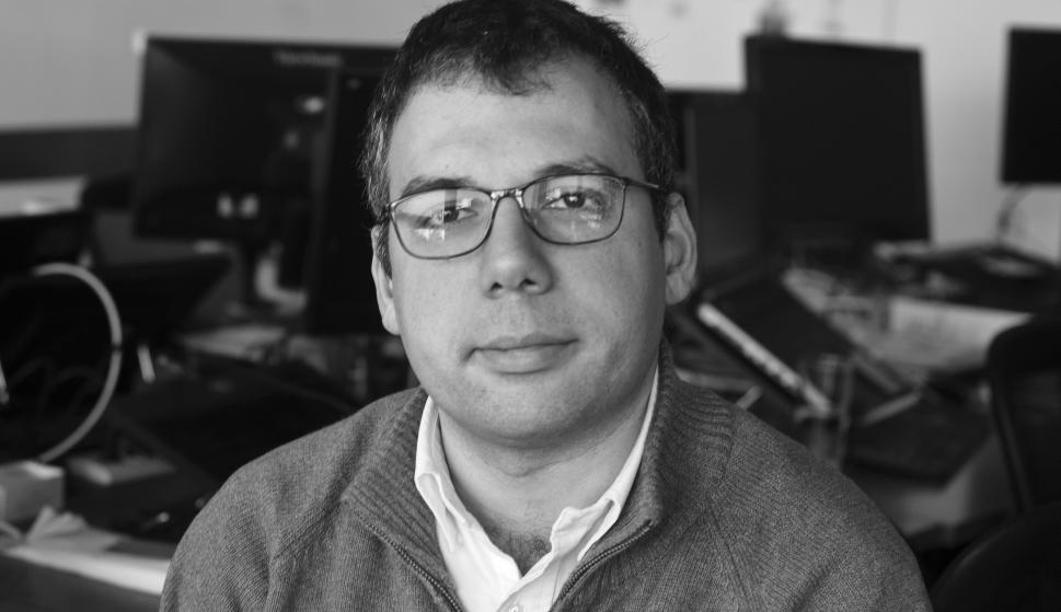 Sebastián García Parra. Director y cofundador de IDATHA, empresa especializada en inteligencia artificial y procesamiento de datos. Ingeniero en Computación recibido en la Universidad de la República Oriental del Uruguay. Docente de la Facultad de Ingenie