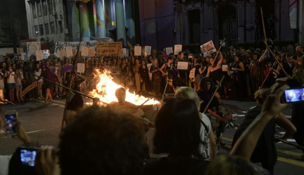 Movilización en 18 de Julio por el Día Internacional de la Mujer. Foto: Marcelo Bonjour