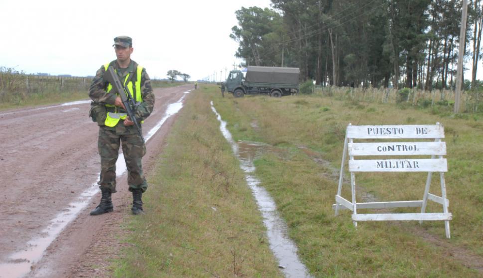 Sobre fines de 2017, efectivos del Ejército patrullaron la frontera norte  con un total de 650 integrantes y 105 vehículos. Foto: R. Figueredo