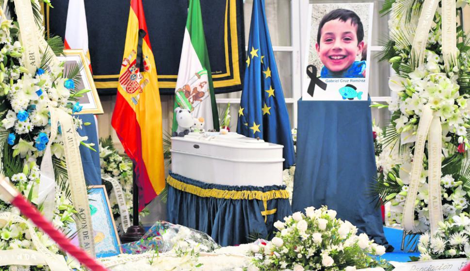 Los restos de Gabriel Cruz fueron velados ayer en la Cámara de Diputados de Almería. Foto: EFE