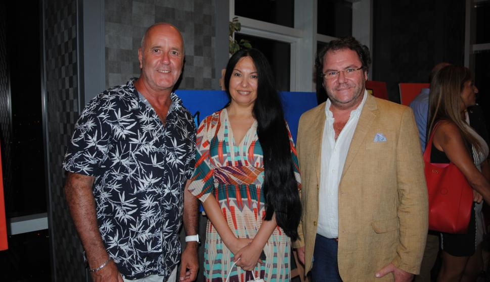 Edison Mouriño, Carla Espinosa, Alvaro Vasile.