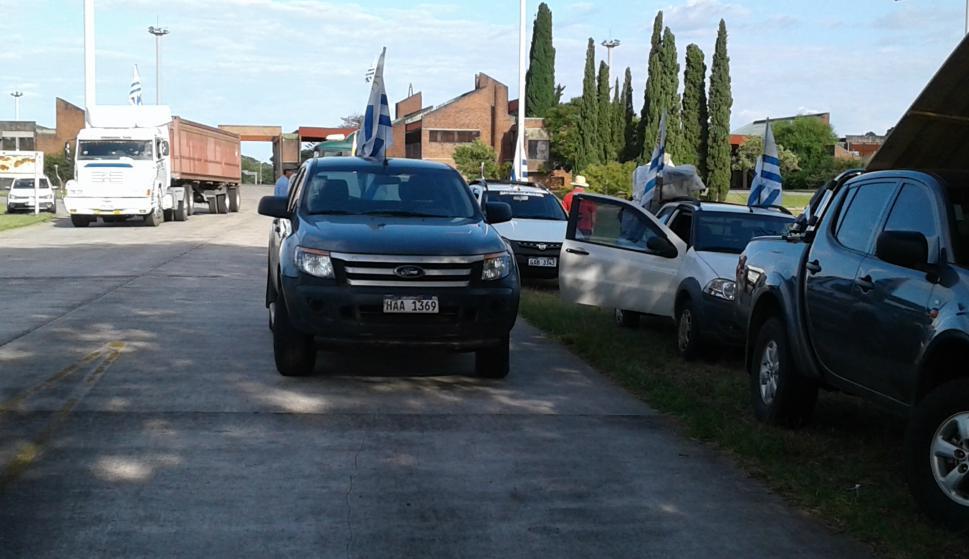 Productores autoconvocados en Salto. Foto: Luis Pérez.