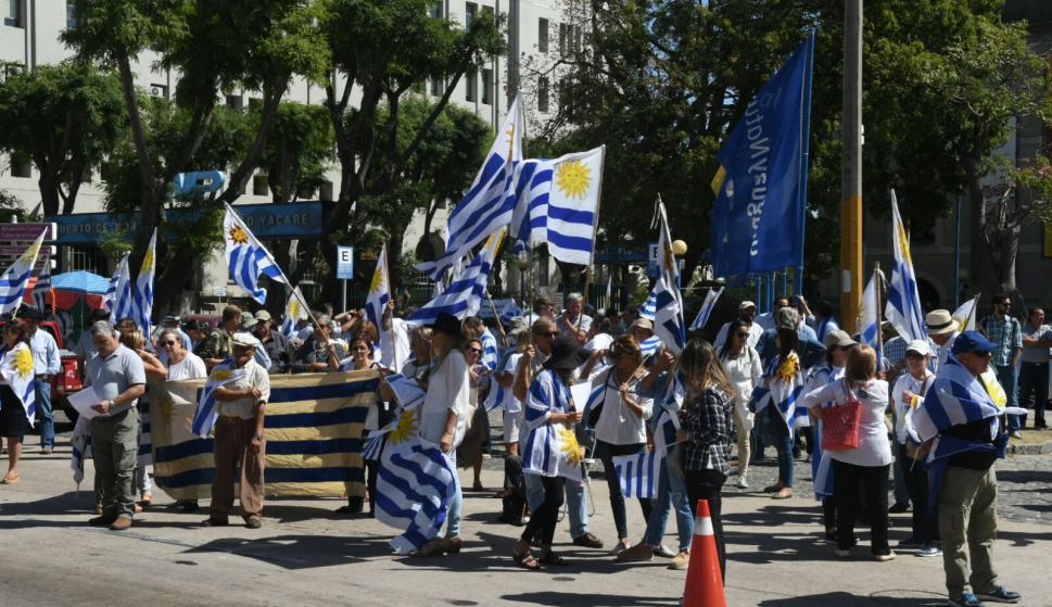 Protestas en Montevideo. Foto: Ariel Colmegna