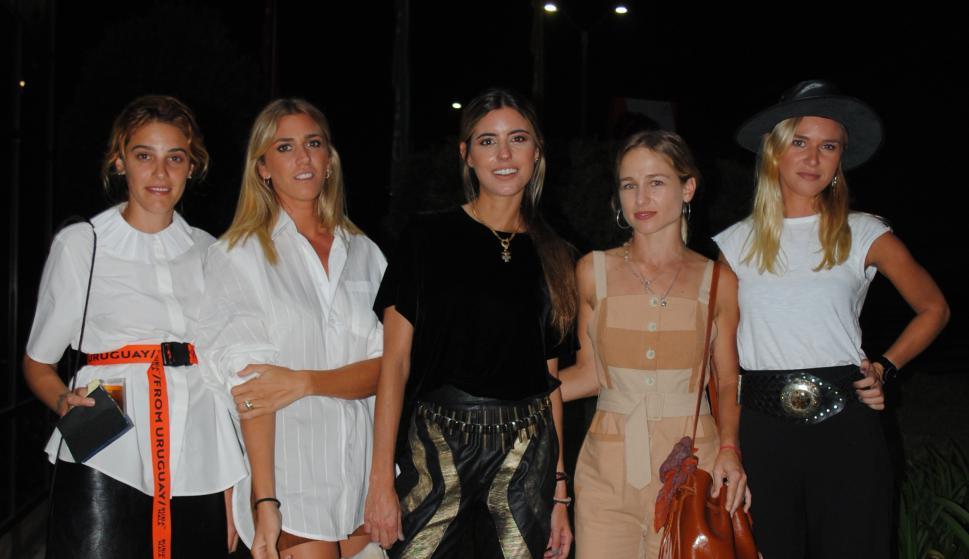 Sofía Bauzá, Victoria Damiani, Chiara Deffiminis, Agustina Pereira, Florencia Damiani.