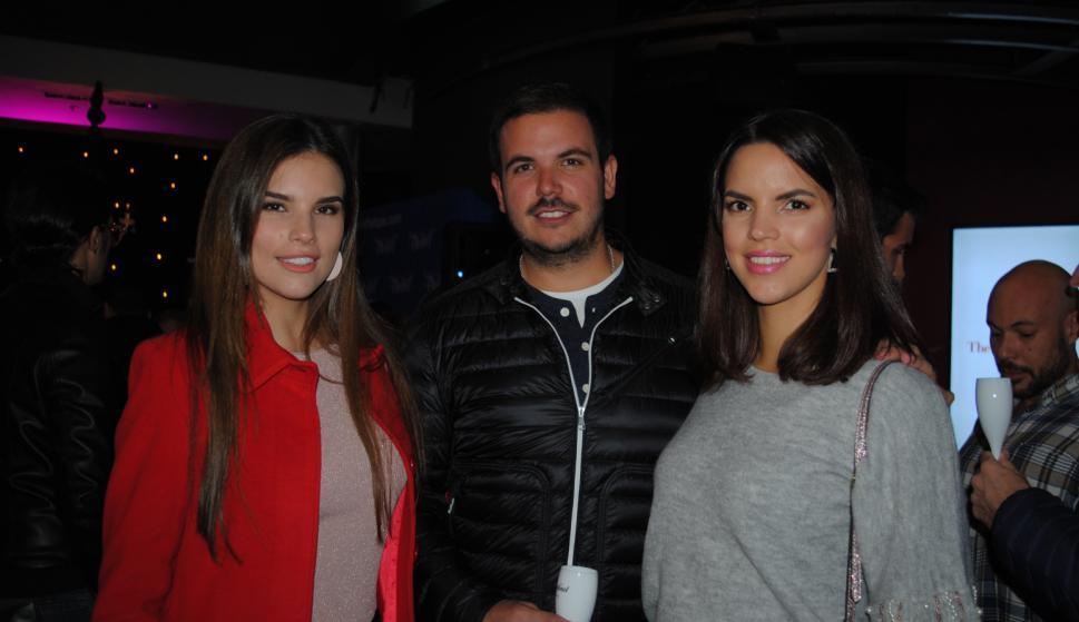 Camila Vezzoso, Juan Souza, Andrea Vezzoso.