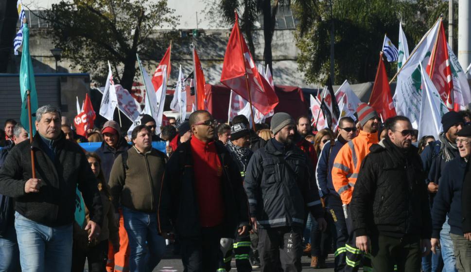 Paro general parcial y marcha hacia el Palacio Legislativo. Foto: Francisco Flores